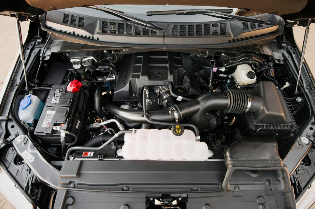 2015-Ford-F-150-Lariat-27-Ecoboost-engine